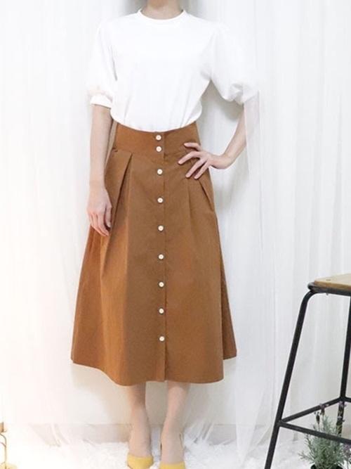アメノチハレのTシャツとロングスカートを使ったコーディネート