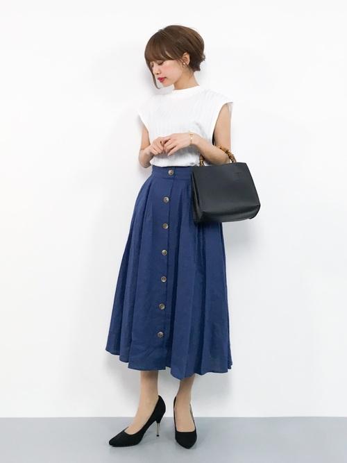 erikoのTシャツとロングスカートを使ったコーディネート