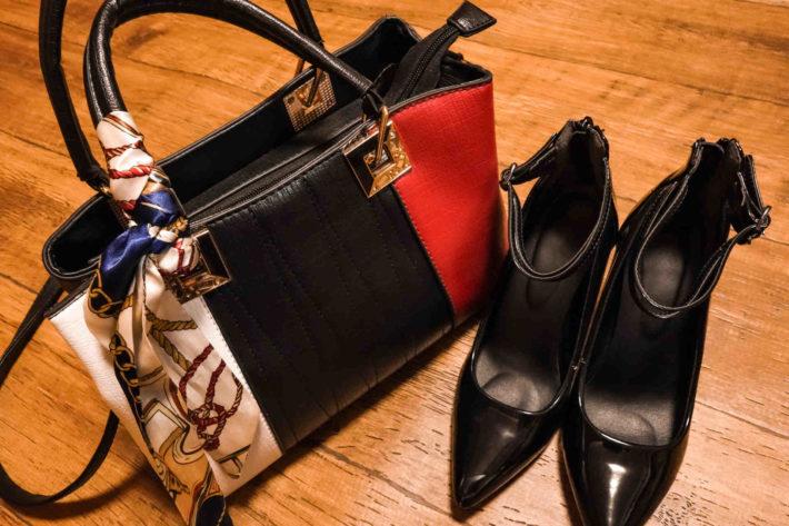 ブランド物のバッグとシューズ